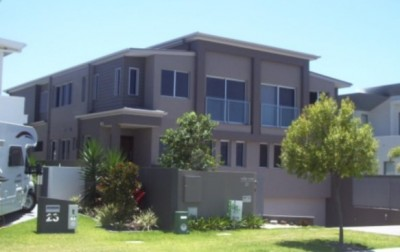 High quality interior and exterior painting. Modern style and colour. Professional house painter service.